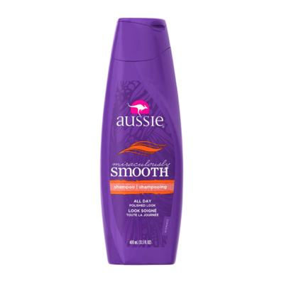 Imagem 2 do produto Kit Shampoo Aussie Smooth 400ml + Tratamento Capilar Aussie Moist 3 Minutos Milagrosos 236ml
