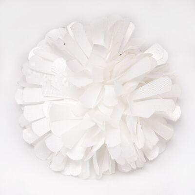 Imagem 1 do produto Presilha Pom Pom Branca- Me Encanta