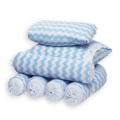 Imagem 1 do produto Kit Berço: Rolinhos Laterais + Rolinho Cabeceira + Almofada Quadrada + Almofada Retangular Chevron Azul - Petit