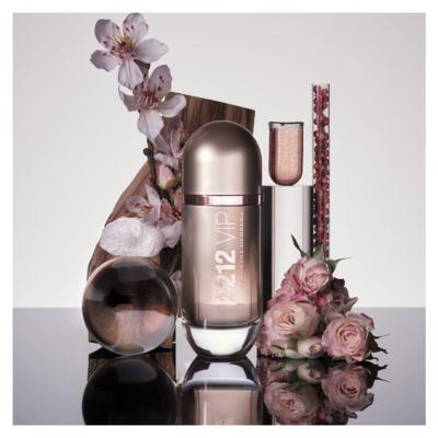 Imagem 8 do produto 212 VIP Rosé Carolina Herrera - Perfume Feminino - Eau de Parfum - 50ml